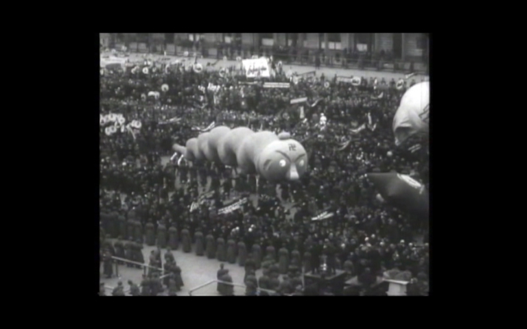 On the role of inflatables in parades in the United States and the Soviet Union 1927-1938